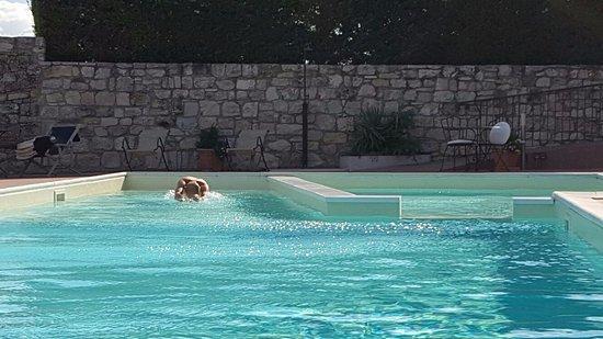 Montecilfone, Itália: piscina