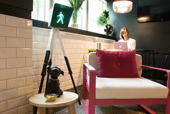 Qbic Hotel Amsterdam WTC: Lobby