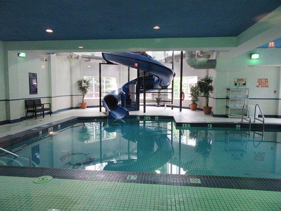 awesome pool area picture of travelodge strathmore strathmore rh tripadvisor co uk