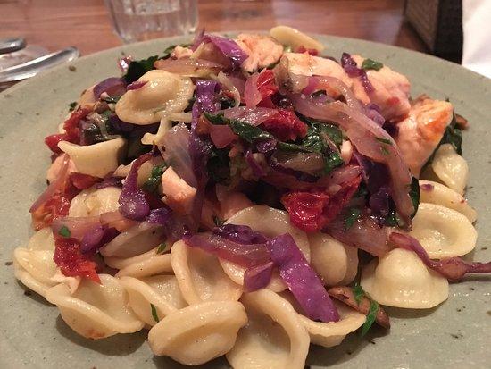 Ristorante Avanti: Pasta with Salmon
