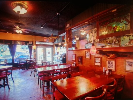 Bourbon Street BBQ and Southern Cooking: Make you feel like you are back home