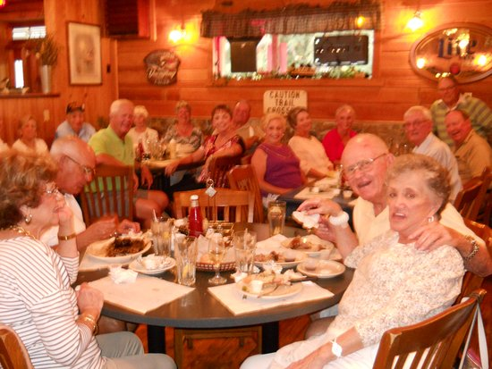 Alfie's Restaurant : The Friday Night Diners of The Villages