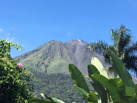 Hotel El Silencio del Campo: View of Arenal from the hotel grounds