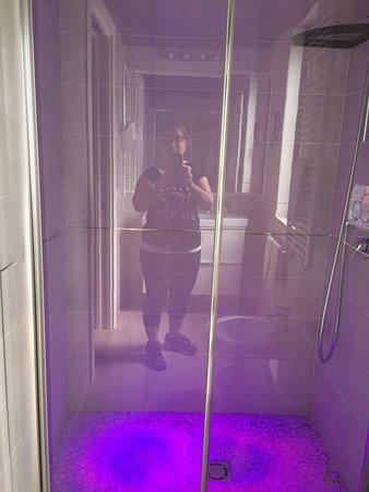 hotel poggioverde bagno bellissimo confortevole e tutto nuovo e profumatissimo