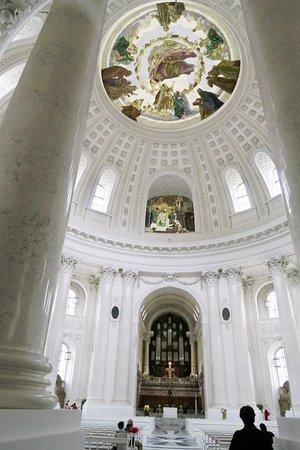 Sankt Blasien Dom kerk binnenin.