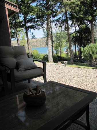 Kal Lake Hideaway Bed & Breakfast Vacation Resort: view from patio outside the suite
