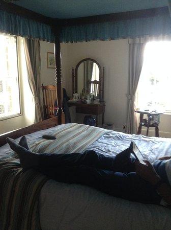 Rutland Arms Hotel Bakewell: Tiny room