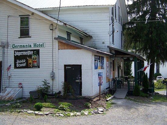Galeton, Pensilvania: Germania Hotel Exterior