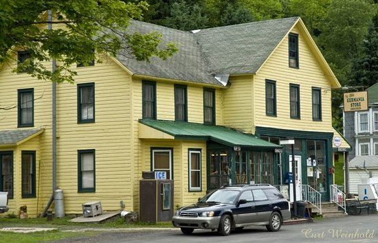 Galeton, PA: General Store & Dining Area
