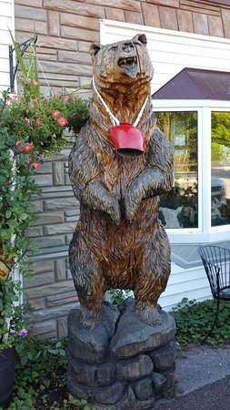 North Kawartha, Canada: The Swiss Bear