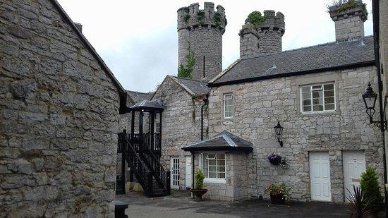 Warner Leisure Hotels Bodelwyddan Castle Historic Hotel: 20160904_092900_large.jpg