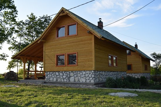 Glodeni, مولدوفا: Place to stay in the preserve, these cabins are equipped with everything needed for a long stay.