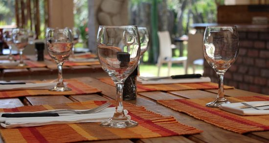 Saint Francis Bay, Sudáfrica: Patio area - ideal for lunch & dinner weather permiting