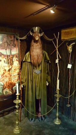 The Museum of Witchcraft: 20160905_142845_large.jpg