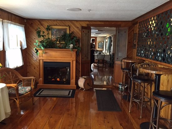 Sedgley Place Small Dining Room With Fireplace