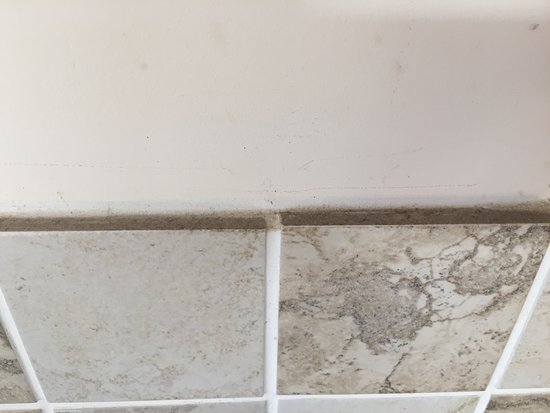 ‪‪Cinderford‬, UK: Kitchen tiles‬
