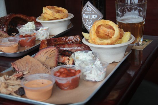 Bison Bar and BBQ: The tasting tray