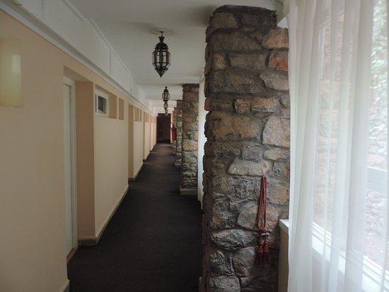 Hotel des Cascades : Couloir