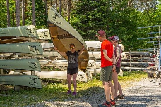 Oxtongue Lake, แคนาดา: Lightweight Kevlar and Carbon canoe rentals.
