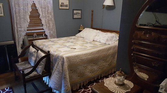 Carole's Bed & Breakfast Inn: 20160903_165455_large.jpg