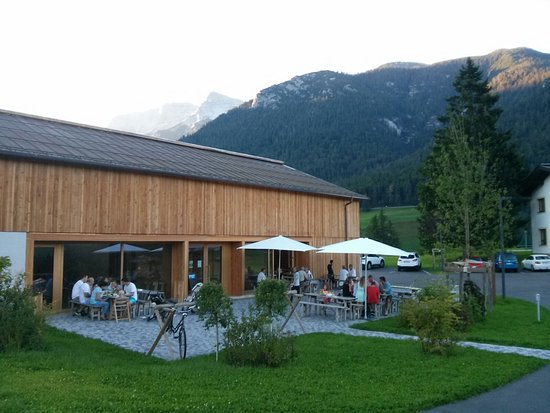 Steinberg am Rofan, Austria: Dorfhaus in Steinberg