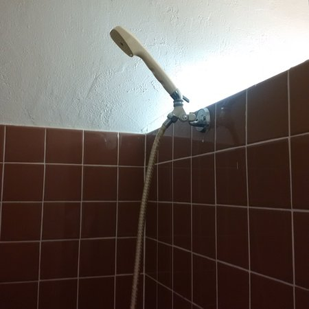 Notre-Dame-du-Bon-Conseil, Kanada: same shower head i have in my trailer