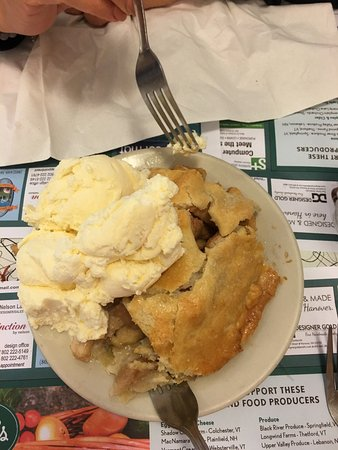 Hanover, Nueva Hampshire: Delicious Mile High Apple Pie!!
