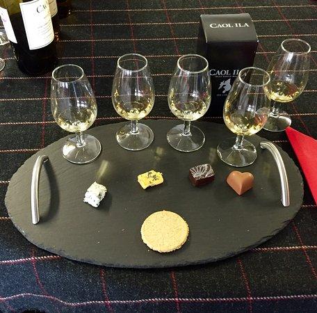 Port Askaig, UK : Whisky tasting