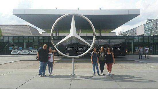 Mercedes benz factory plant reception area foto di for Mercedes benz plant locations