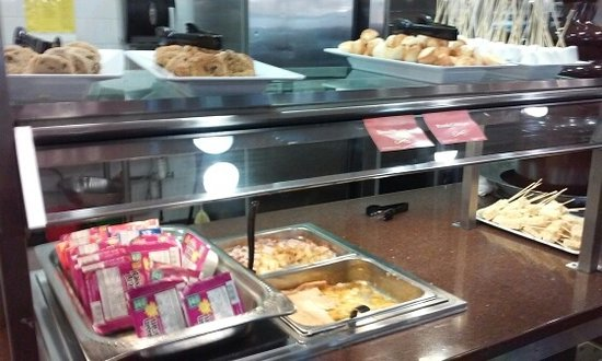 golden corral cold cereal cookies peach cobbler bread pudding and rice crispy