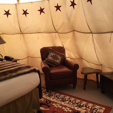 Capitol Reef Resort: Inside our teepee
