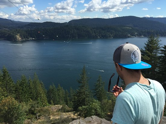 Deep Cove North VANCOUVER Hiking Up To Quarry Rock