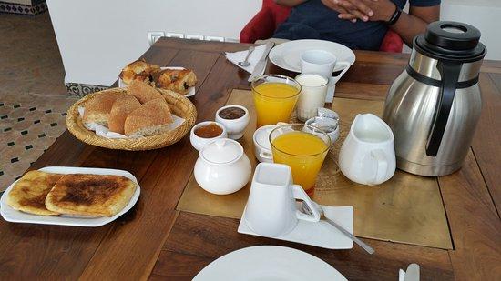 Riad Shemsi: Breakfast
