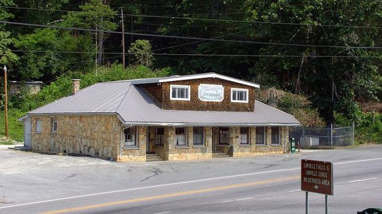 Newland, Carolina do Norte: Famous Louise's Rock House