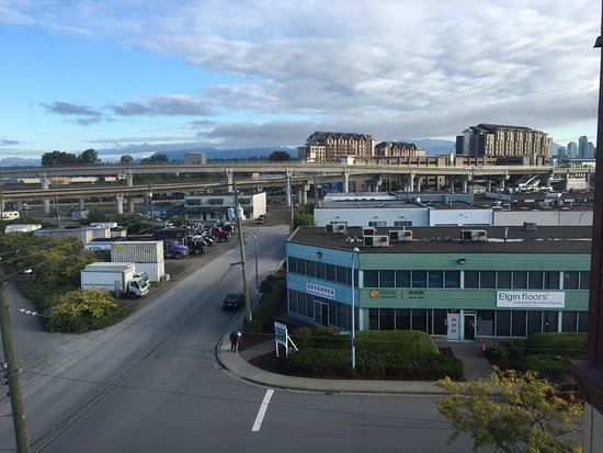 Days Inn - Vancouver Airport: View from room with River Rock Casino & Light Rail center