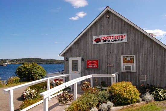 Lobster Kettle Restaurant: Lobster Kettle in Louisburg