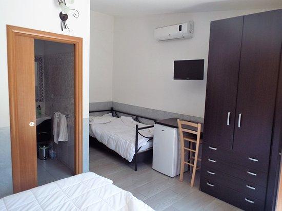 Sogliano Cavour, Italië: Triple room
