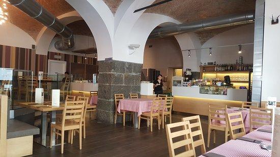 D Napoli Maestri Pizzaioli: Il locale_interno