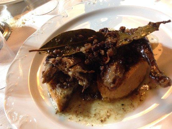 Muccia, อิตาลี: Pernice