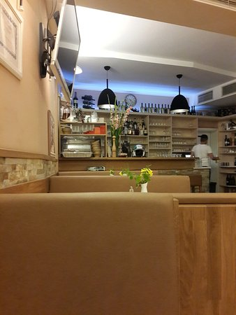 Photo of Pizza Place Forno d'Oro II at Luisenplatz 23, Frankfurt 60316, Germany