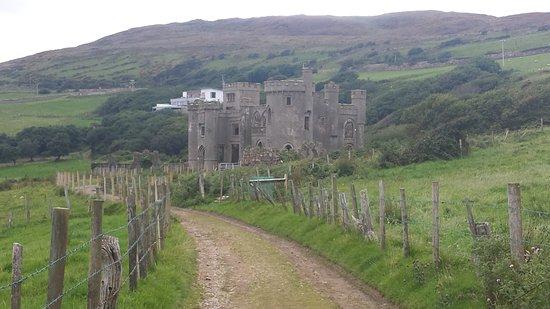 Clifden Castle: En arrivant