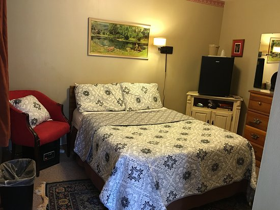 Londonderry, VT: Budget Room