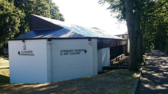 Guernsey Museum: Exteriör
