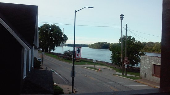 Blue Door Inn: River view from the balcony