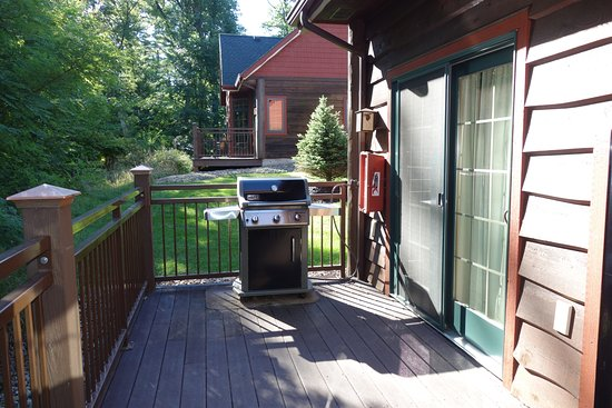Wilderness Resort: Golf Cabin - Deck and Grill
