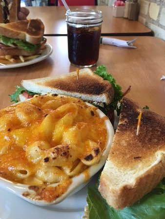 Rosebush, MI: BLT and Mac and cheese