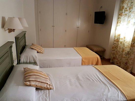 Hotel Alcantara: 20160906_005632_large.jpg