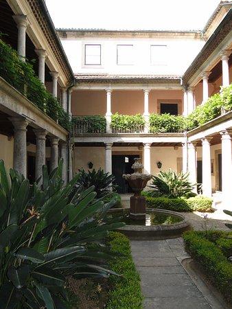 Museu dos Biscainhos : Claustro do Museu Palácio dos Biscainhos