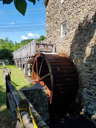 ‪‪Chester‬, ניו ג'רזי: Water wheel at Cooper Gristmill‬