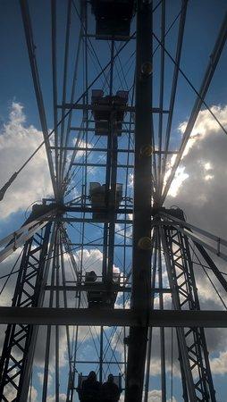 Bay Beach Amusement Park: Inside view of the Ferris Wheel